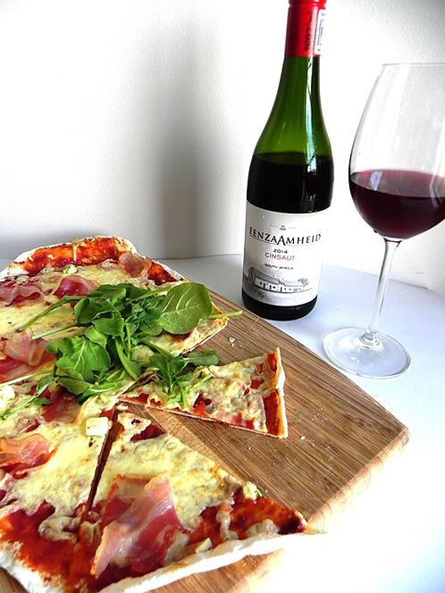 Pizza paired with Eenzaamheid Cinsaut | Monnig Social Media Management #wineandfoodwednesday