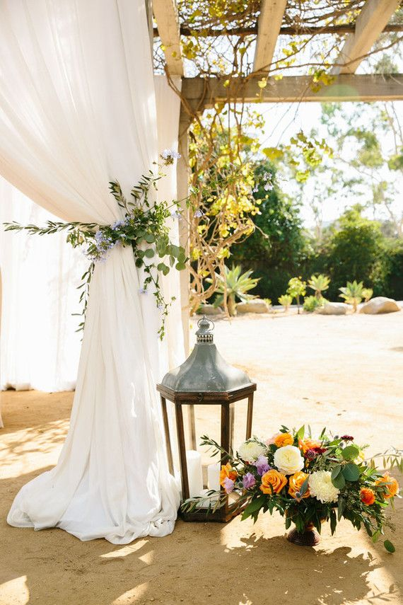 Spanish style wedding decor | Wedding & Party Ideas | 100 Layer Cake