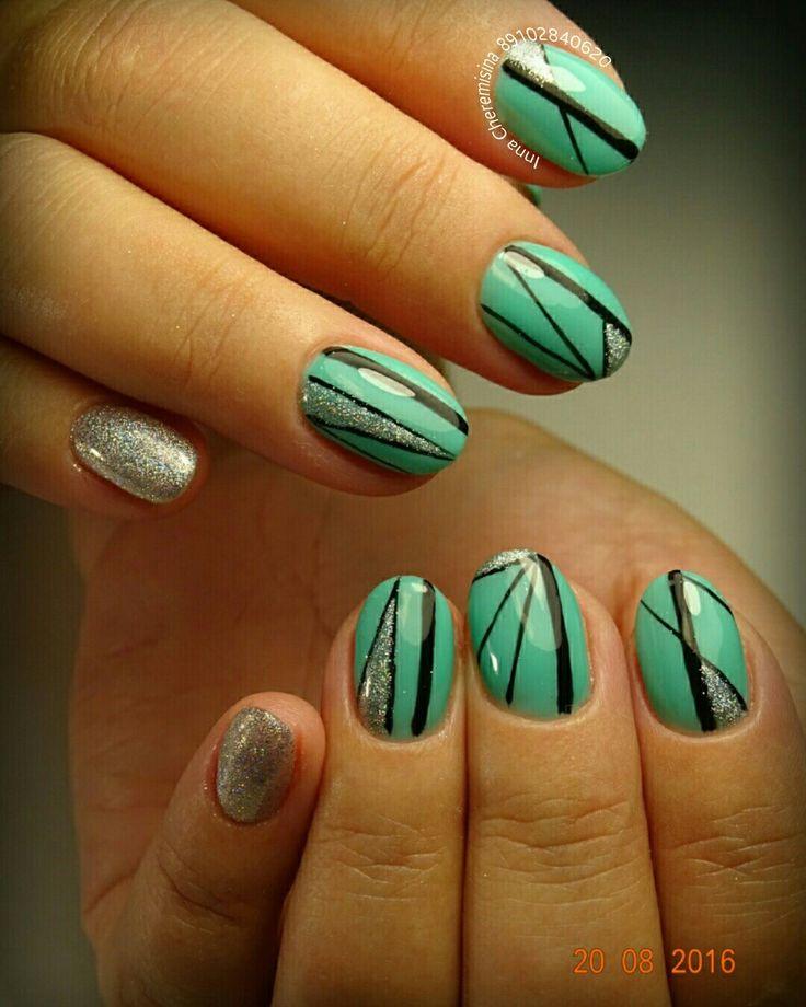 #маникюр #дизайн_ногтей #зеркальный_блеск #втирка_блестками #геометрический_дизайн #геометрия_на_ногтях #фото_без_масла #идеальные_блики #без_фильтра #зеленые_ногти #зеленый_маникюр