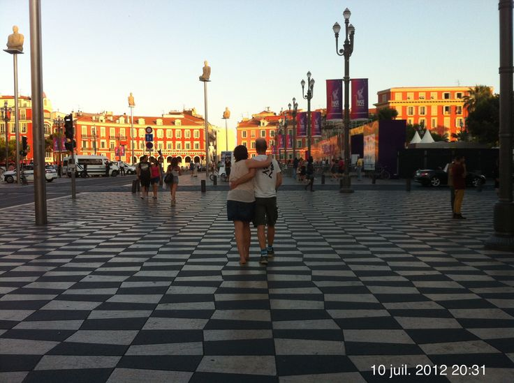 Nice Place Masséna Les amoureux