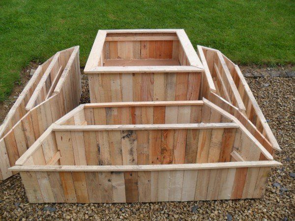 Planter from pallets | 1001 Pallets   <3 LOVE <3