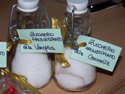 Cinnamon and vanilla shented sugar, by La Scimmia Cruda