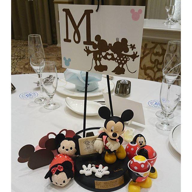 Instagram media junmiya6731 - 各テーブルの小物達✨ Mはミッキー&ミニー #結婚式 #テーブル装飾 #テーマディズニー #ミッキー #ミニー
