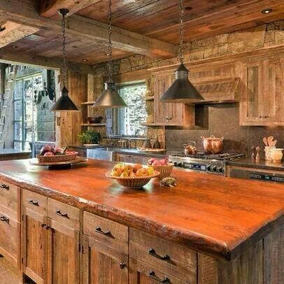 rustic yet sophisticated! Live it. This is how i imagine my kitchen would be if i lived in a home on the James River!! Also how i always imagined my favorite characters kitchen in my favorite books looks like!!! ( Patricia Cornwells character Kay Scarpetta!!!)!!!