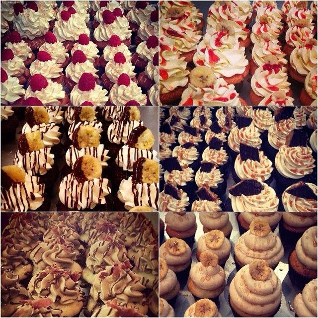 You eat with your eyes first #cupcakes #foodporn #raspberrywhitechocolate #strawberrybanana #chocolatebanana #chocolate #caramel #maple #bacon #chocolatechip #banana #pancake #edibleart #foodstagram #cakestagram #sassyandsweet