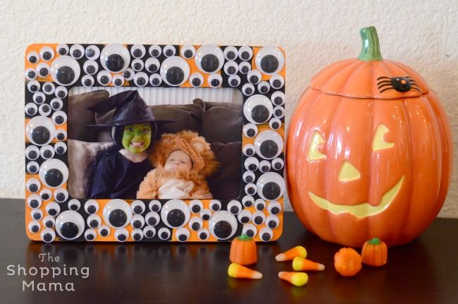 Googly Eye Picture Frame! Fun Dollar Tree Halloween Craft for kids | The Shopping Mama