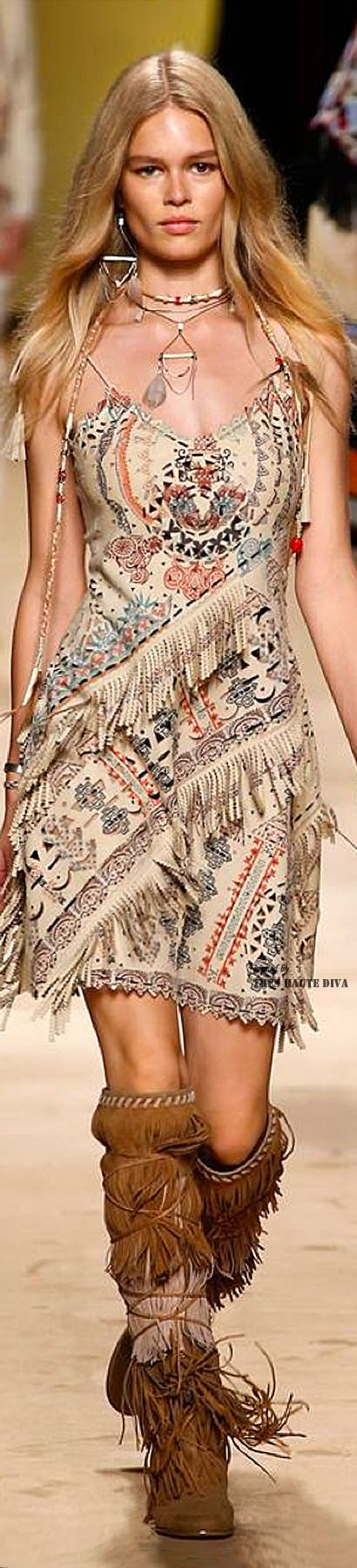 Have already pinned this dress, but couldn't resist the close-up.  #MFW Etro Spring Summer 2015 RTW