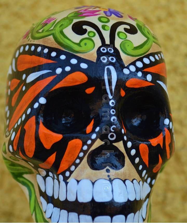 Un favorito personal de mi tienda Etsy https://www.etsy.com/mx/listing/125036847/busto-mariposa-monarca