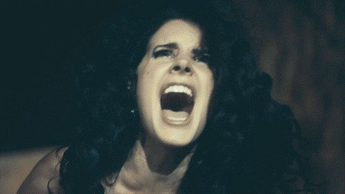 There will be no encore. | 15 Things That Happen When You Go To A Lana Del Rey Concert