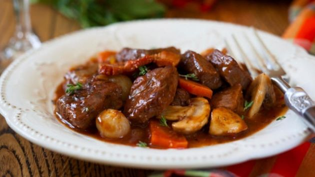 Skinny Points – Recipes  » Slow Cooker Beef Bourguignon Stew