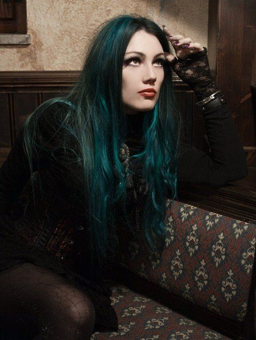 Green dyed hair on this #Goth girl brings the right mood