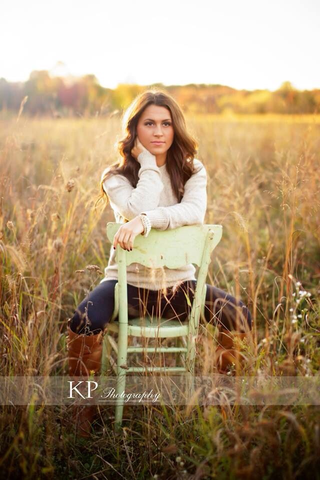 Senior pictures. Girl. Fall session. Brunette. Gorgeous. Field. Country. Photos. Photography by Kayla Renee.   Http://www.facebook.com/kayla.renee.148