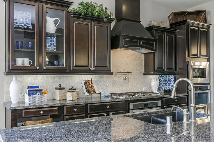 Gehan Homes Kitchen Grey Granit Countertops Glass