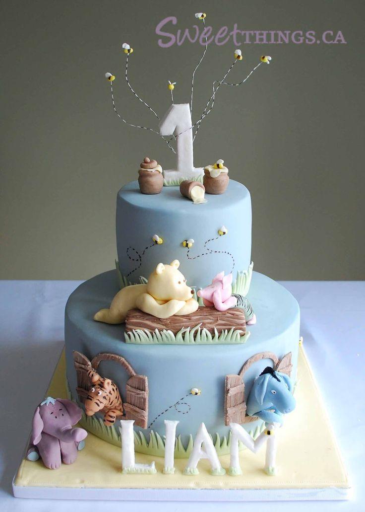 1st Birthday: Classic Winnie the Pooh Cake