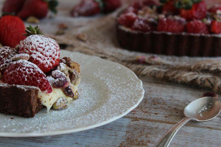 Τάρτα με κρέμα λευκής σοκολάτας και φράουλες