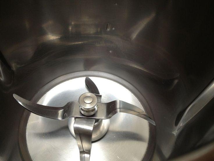 Moi aussi cet été, j'ai testé le nettoyage au vinaigre blanc pour le bol du thermomix !! Et bien je suis convaincue comme mes copinautes...