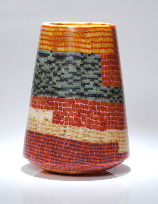Giles Bettison, glass. Unbelieveable.Pretty Vases