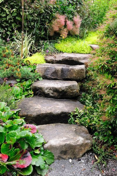 13 Decorative Boulder Steps And Path Ideas For Beautiful Backyards