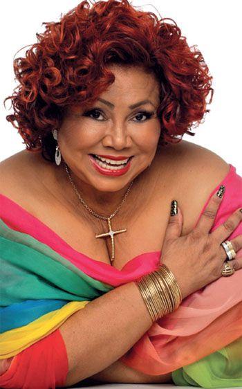 Alcione Dias Nazareth (São Luís, 21 de novembro de 1947) é uma cantora, instrumentista e compositora brasileira. No ano de 2003, a cantora foi agraciada com Grammy Latino na categoria de melhor Álbum de samba. Recebeu da Academia Brasileira de Letras o Prêmio de Melhor Cantora Popular, além de receber o Prêmio TIM de Música como melhor Cantora de Samba.