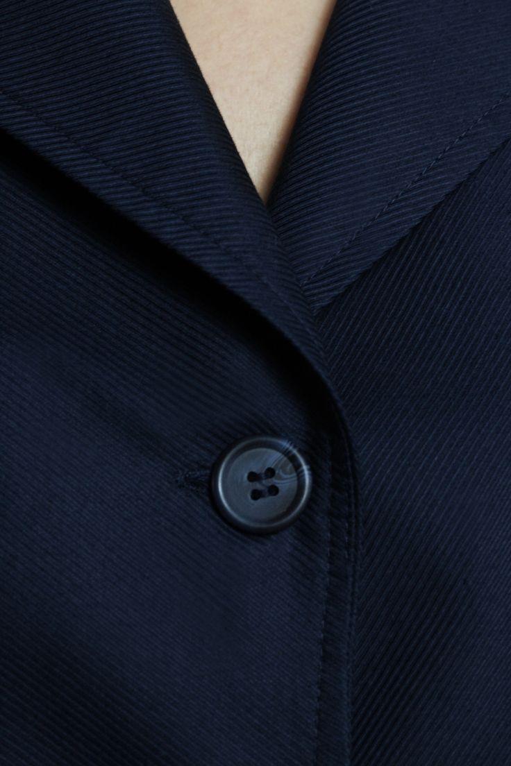 Blazer details http://honeygold.eu/product/midnight-blue-blazer/