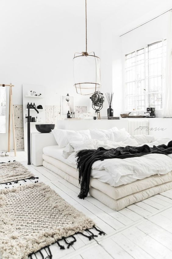 white bedroom bohemian Shabby chic carpet decor rustic bedroom ...