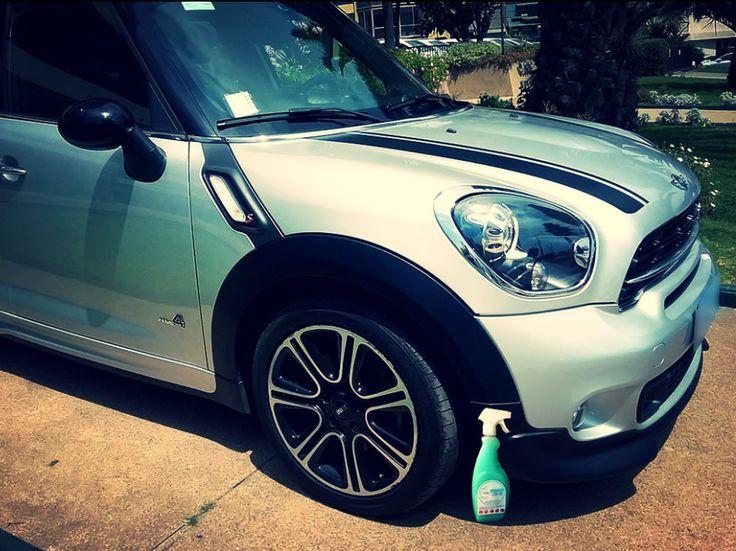 El #Mini #Coupe brilla de manera Espectacular con Magic Clean Car deja Tu Auto Limpio y brillantemente encerado de una sola vez y sin agua #lavasinagua #lavaenseco
