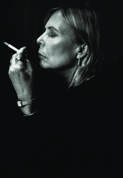 PIC: Joni Mitchell ___ Grown Up. Lovin Joni then, lovin her now... Photo by MARY McCartney (takin' after her mum)