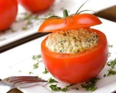 Tomates farcies à la salade d'oeufs (facile, rapide) - Une recette CuisineAZ