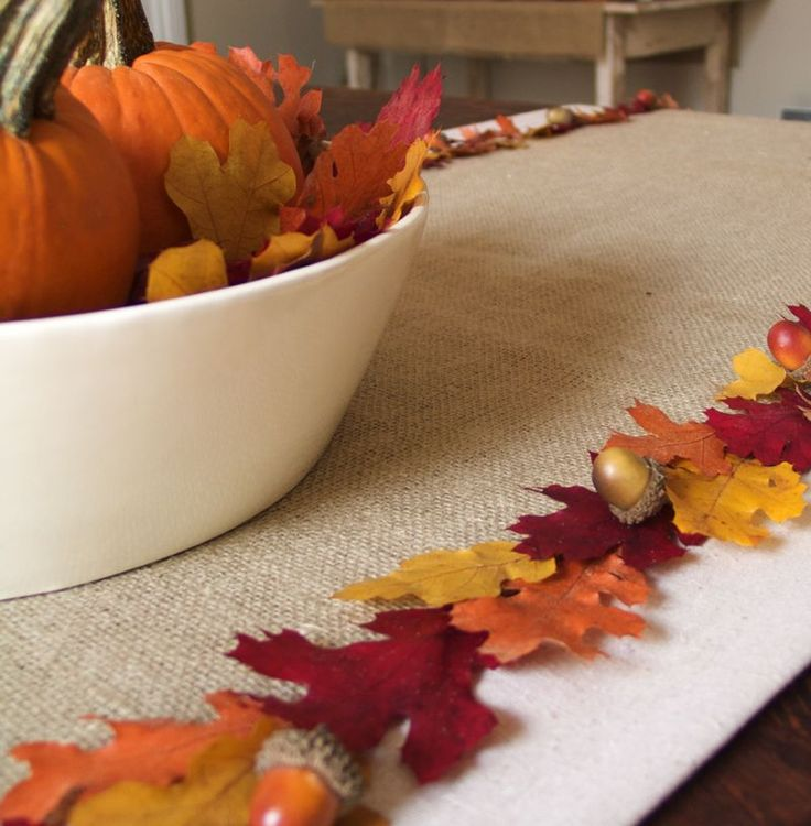 Leaf Runner, and a bunch of other fall decorating ideas. But I like the runner the most!