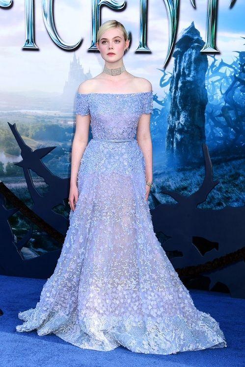 Elle Fanning en robe Elie Saab haute couture de la collection printemps-été 2014 à la première de Maléfique à Los Angeles
