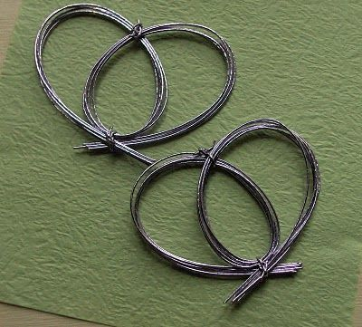 "How To Make a Mizuhiki Heart Knot  USE grape vines to try this, then ""dreamcatcher"" it"