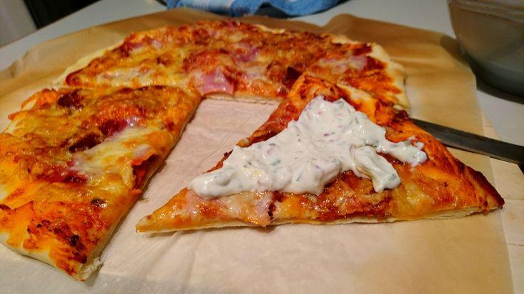 [Homemade] Chorizo Ham and Salami Pizza with Tzatziki http://ift.tt/2jgUElc #TimBeta