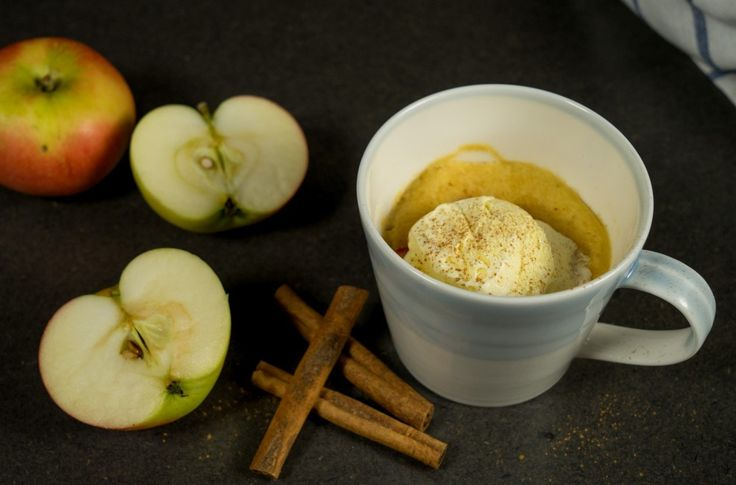 Søt og saftig eplekake du lager på få minutter i mikrobølgeovnen.