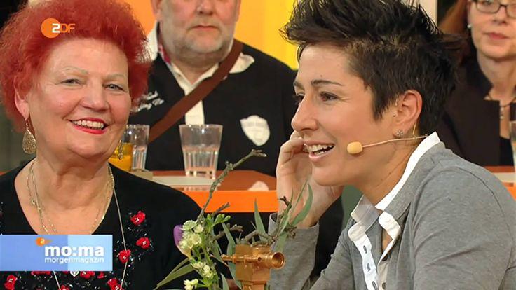 Goldene Kamera - Claus Kleber überrascht Dunja Hayali | ZDF Morgenmagazin