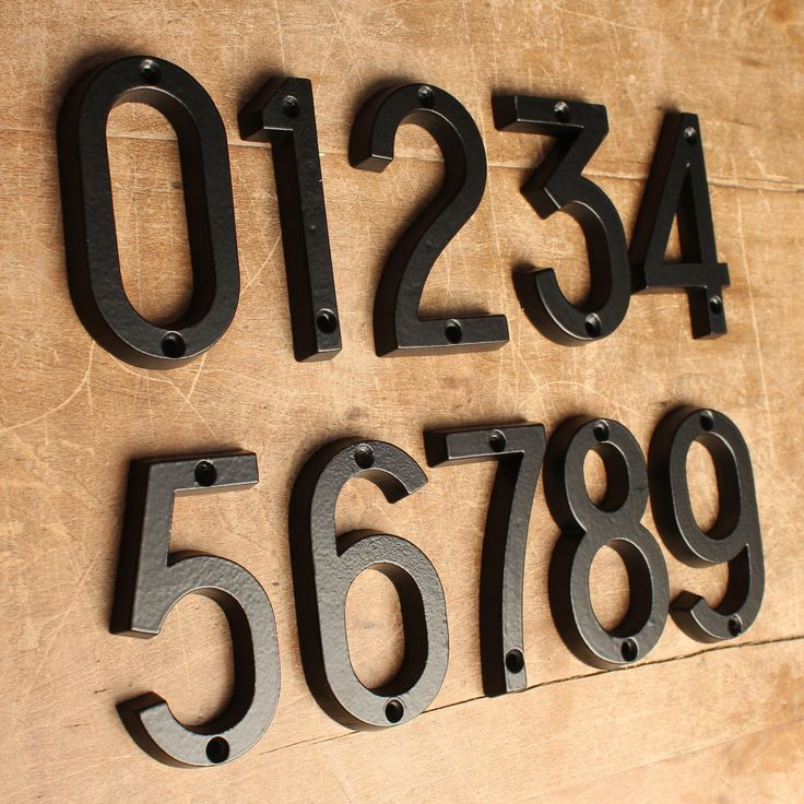 4 house numbers railway style · black ·
