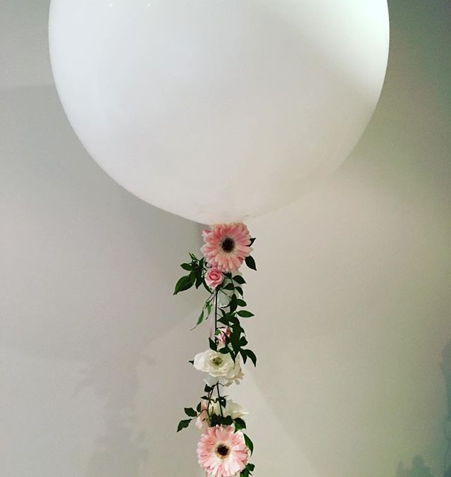 This mornings balloon with fresh floral garland