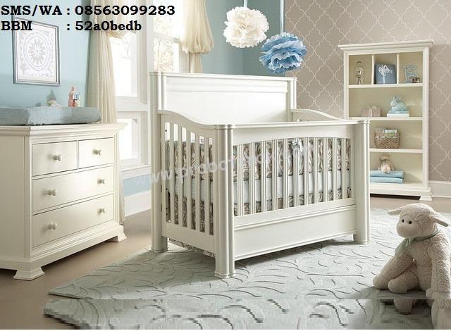 Set Kamar Bayi Perempuan Modern warna putih inimelihat di era sekarang demi memanjakan dan safety kepada bayi bunda dalam tidurnya, melihat bahwa kebany