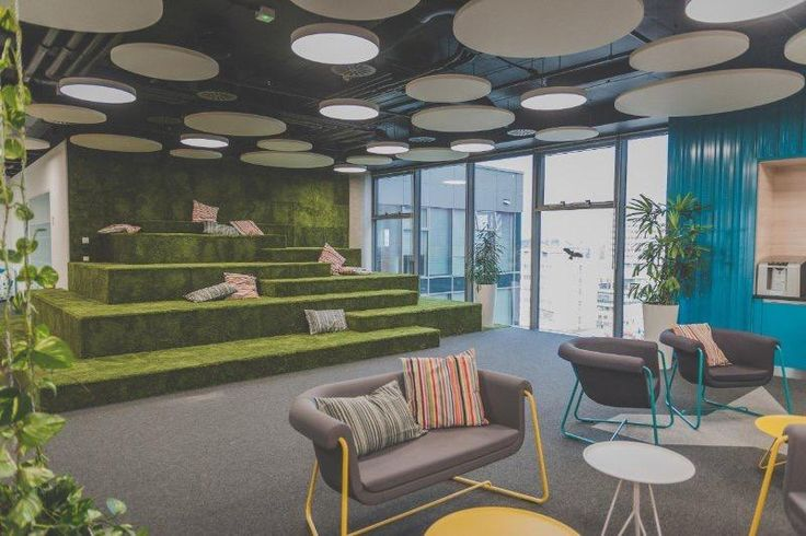 Kiwi office in Brno, Czech Republic. Carpet tile collection HEUGA 727 and TOUCH & TONES by Interface. Fitout by ProInterier s.r.o.