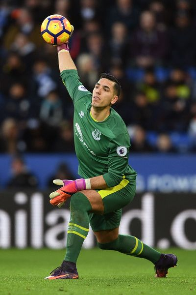 Goalkeeper Joel Robles of Everton throws out the ball during the Premier League match between Leicester City and Everton at The King Power Stadium on December 26, 2016 in Leicester, England.