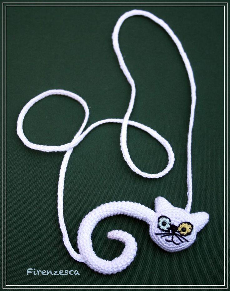 """cat necklace amigurumi crochet white gatto micio uncinetto collana bianco """"Francesca Birini"""""""