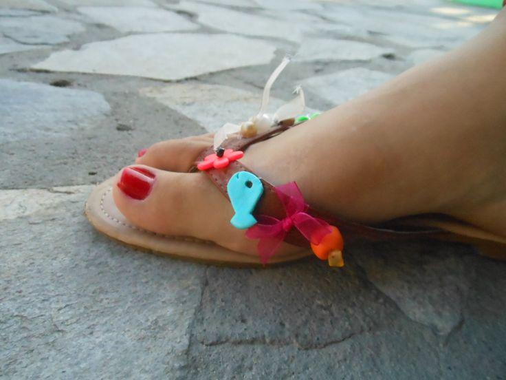 I fixed Eleftheria's flip-flops and added my own beads / επισκευή δερμάτινων Ελευθερίας  προσθήκη δικών μου χαντρών