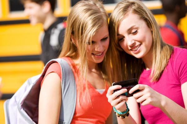 Before you tell your child no, check out 5 reasons why your kids should have cell phones