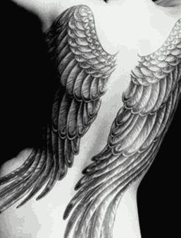 Tatuagem de asas                                                                                                                                                     Mais