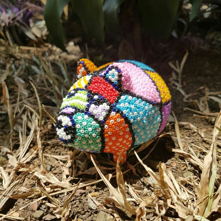 Alcancía marranito decorada en arte con mostacillas, #arte #Cali
