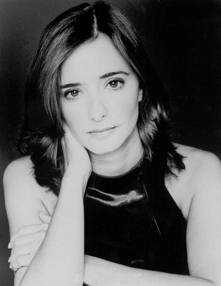 Ana Torrent Bertrán de Lis (n. Madrid; 12 de julio de 1966) es una actriz española. Fue nominada a los premios Goya a la mejor actriz por Tesis de Alejandro Amenábar. Destacó también su interpretación como Catalina de Aragón en la superproducción Las hermanas Bolena