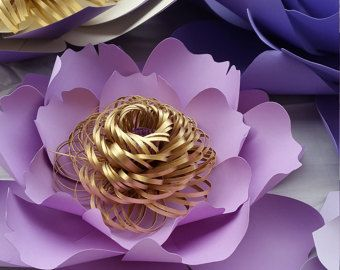 1 juego de collage de flores de papel, en color de rosa caliente, pálido color de rosa, rosa bebé y blanco. Este listado incluye: 1 gran peonía - 15,5 pulgadas dahlia pequeña 2 - 8 pulgadas magnolia de extra pequeño 4 - 5.5 pulgadas 1 anémona pequeña de extr - 6 pulgadas 8 - cordones ramificaron de hojas - 12 pulgadas 6 mariposas - 2.5 a 4 pulgadas RECEPCIÓN DE ÓRDENES DE ENCARGO!!!!!! Enviar solicitud de orden de encargo con preferencia de color y la fecha de su evento. Este listado ...