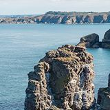 La vue est plutôt pas mal depuis le Cap d'Erquy en #Bretagne...⠀ •⠀⠀⠀ #fansdebretagne #france #breizhstagram #travel #breizhmabro #nature #landscape #sea #thatblue⠀ •⠀⠀ Photo: @hobography_net