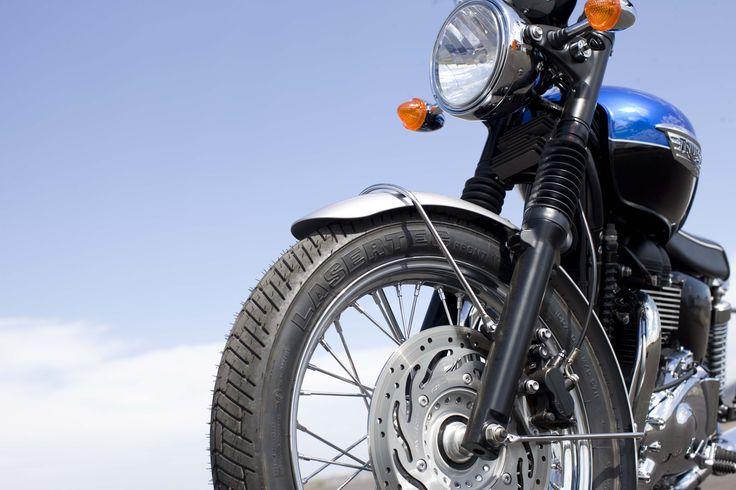 A Triumph está promovendo uma competição inédita entre algumas das principais oficinas especializadas em customização de motocicletas da capital paulista: Johnnie Wash, Recar Motos e Shibuya Garage...