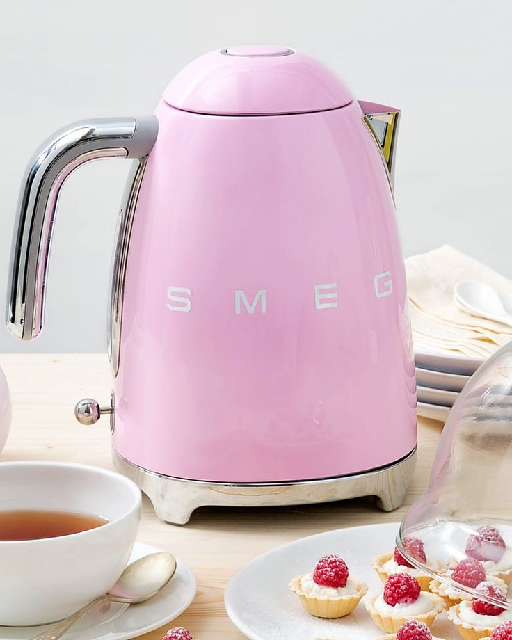 These ten electric kettles are prettier than we thought possible. Both speedier and safer than heating water in the microwave or on the stovetop, an electric kettle is also attractive enough to leave out on the counter.