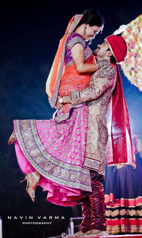 perfect wedding photo moment to share on the wedding website/s! http://www.shaadiekhas.com/blog-wedding-planning-invitation-wordings/shaadi-e-photos/